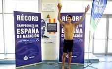 Hugo González bate el tercer récord de España en el Nacional de natación