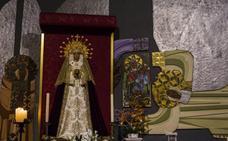 El párroco del Santo Ángel vuelve a mostrar la Virgen del Copo de Eugenio Chicano en el altar