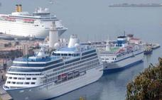 Evacúan a un pasajero tras sufrir un paro cardíaco a bordo de un crucero cerca de Málaga