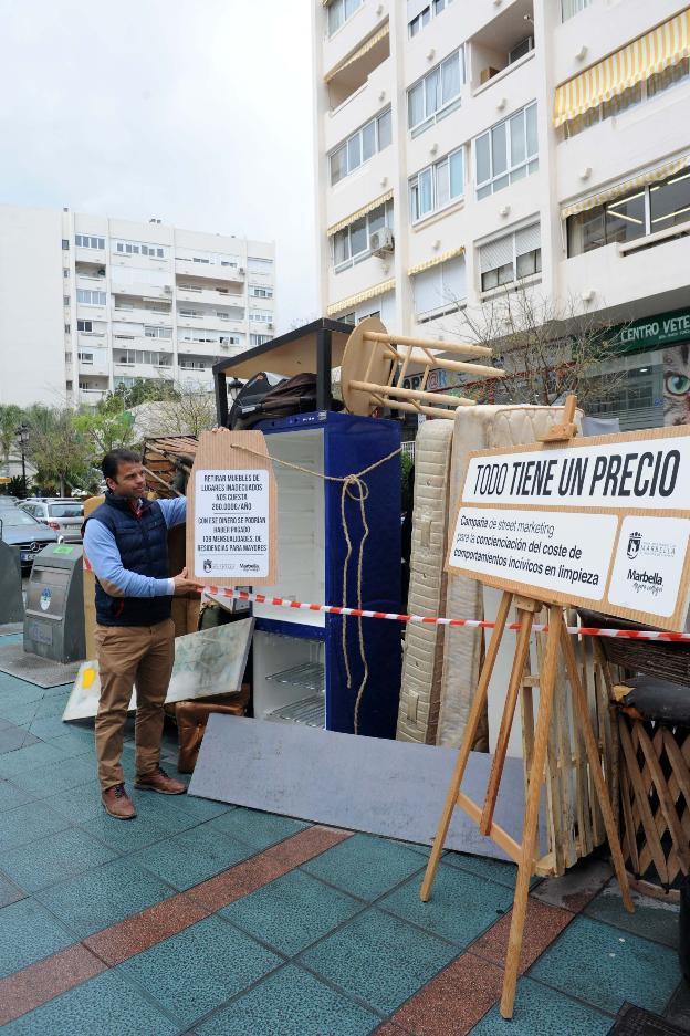 Retirar muebles y enseres de la calle cuesta euros for Muebles cuesta
