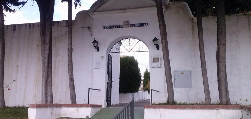 Trabajadores de los cementerios de Estepona denuncian «discriminación» con otras concesionarias