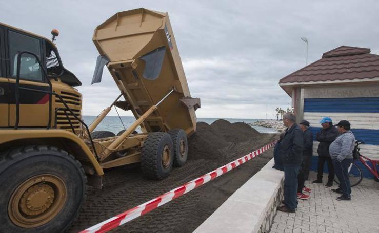 Fotos de los trabajos de mejora de la playa de Huelin