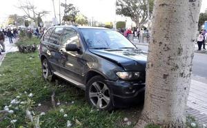 Le presta su coche a una amiga ebria y sin carnet y provoca un accidente con dos heridos en Torre del Mar