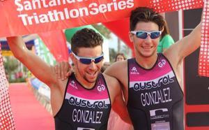 Los hermanos González, frente a frente en triatlón