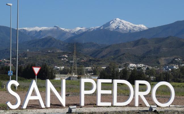 Una gran nevada cubre las sierras de Málaga en plena primavera