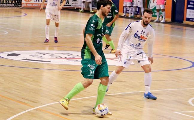 El UMA Antequera aplaza su clasificación para el 'play-off'