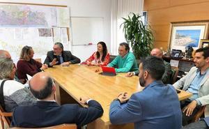 Empresarios de La Carihuela crean una asociación para aunar sus reivindicaciones