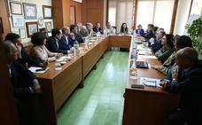 Empresarios y políticos exigen un tren litoral que una la capital y Marbella en una hora