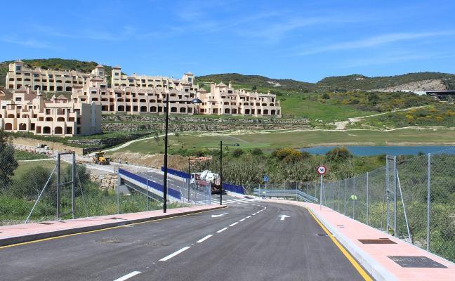 El puente sobre arroyo 'Enmedio' llega a su recta final y conectará a 2.000 vecinos