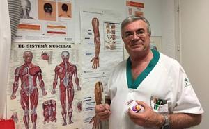 José Antonio Heras: «La aplicación de bótox es eficaz en pacientes desesperados por un dolor de cabeza continuo»