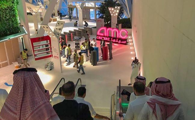 Arabia Saudí ya no condena el cine