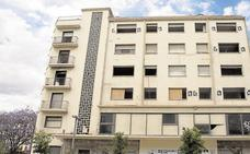El alcalde de Málaga reclama a la Junta de Andalucía que permita el derribo ya del cine Astoria