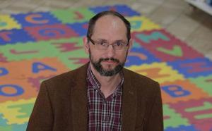 Juan Lucas Onieva: «La causa de la mala conducta de los niños en el colegio hay que buscarla en los hogares»