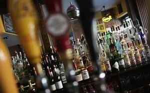 43 detenidos de una red que defraudó 25 millones en la venta de bebidas alcohólicas en doce provincias, Málaga entre ellas