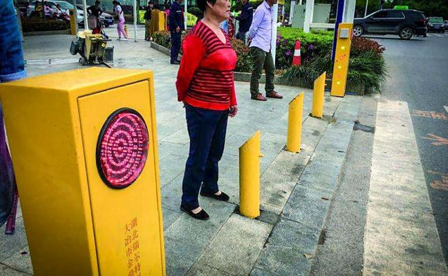 Aspersores contra peatones díscolos