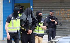 Detenido en Málaga por enviar dinero a una de las terroristas más buscadas de Europa