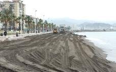 La playa de Huelin alcanza hasta 37 metros de ancho tras la reposición de arena