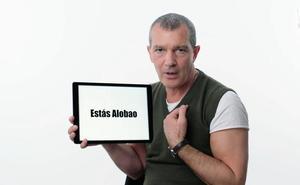 Antonio Banderas le explica a los americanos lo que significa 'estás alobao'