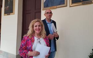 IU-Málaga para la Gente pide menos cargos de confianza y dinero para el Astoria y el Guadalmedina