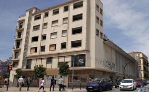 Ciudadanos urge a la Junta a que autorice el derribo de la manzana del Astoria