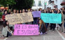 Concentración en repudio a la sentencia de 'la Manada' en Marbella