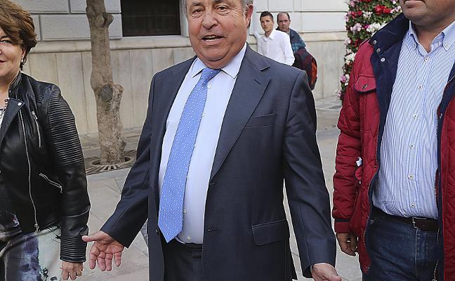 La Fiscalía pide ocho años de prisión para el exalcalde de Granada Torres Hurtado