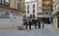 Primeros pasos de la recién reformada calle principal de Coín
