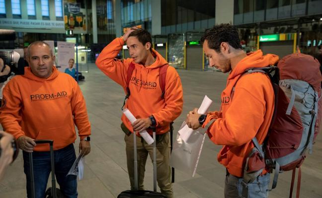 Comienza hoy en Lesbos el juicio contra tres bomberos sevillanos por auxiliar a refugiados sirios