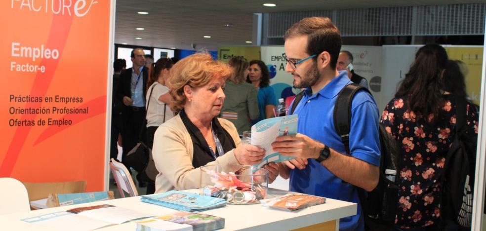 La UMA acerca a los alumnos al mercado laboral en la IV Feria de Empleo