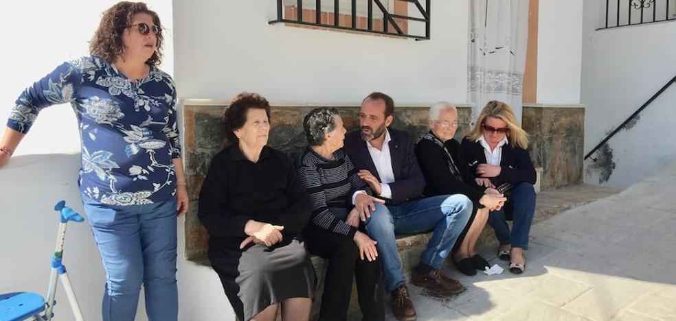 Juan Cassá visita Olías y propone un edil para los diseminados