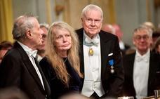La Academia sueca permite dimitir a cuatro de sus miembros