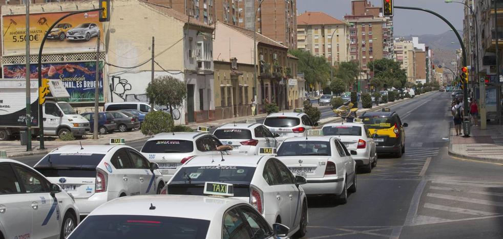 Los taxis de la Costa del Sol consideran la llegada de Uber «una provocación»