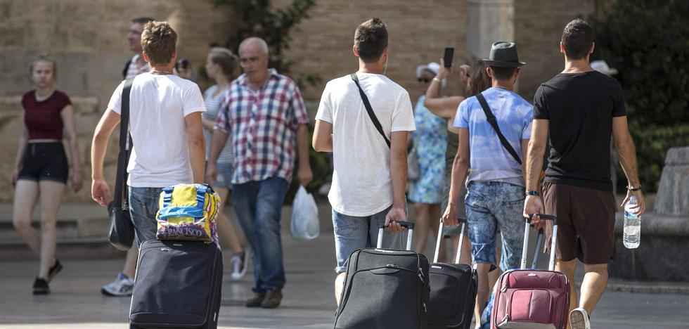 La inflación se modera al 1,1% en abril por el abaratamiento turístico y el gas