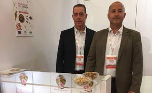 Almendrera del Sur capta nuevos clientes para sus almendras en Canadá