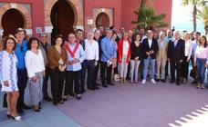 Bendodo insta a los candidatos del PP en Málaga a «salir a la calle y contar lo hecho»