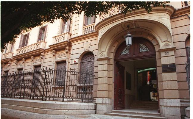El alcalde afea a la Junta su «desinterés» por Málaga con la venta del Palacio de la Tinta