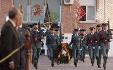 Lágrimas por los caídos en el 174 aniversario de la Guardia Civil