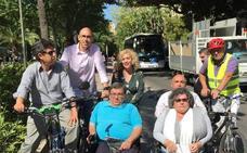 IU Málaga para la Gente reclama que los discapacitados puedan usar los carriles bici
