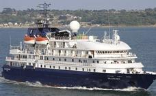 El crucero 'Island Sky' visita por primera vez el puerto de Málaga