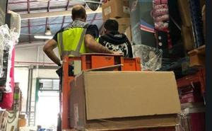Intervienen más de 1.700 artículos falsos en el polígono Guadalhorce de Málaga