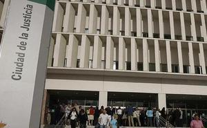 Un empleado de una clínica de Torremolinos pide 211.000 euros de indemnización por supuesto acoso laboral desde 2009