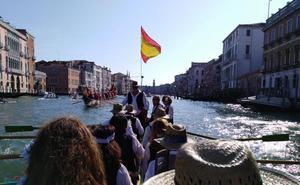 «Remar en Venecia con una jábega es una sensación espectacular»