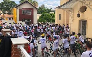 Unas 500 personas participan en el Día del pedal del Colegio El Limonar