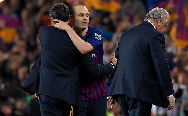 Iniesta deja su última clase magistral en el Camp Nou