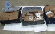 Cuatro detenidos por llevar 86 kilos de cocaína en su vehículo en Benalmádena