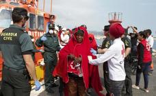 Rescatados 104 inmigrantes en seis pateras en el Estrecho