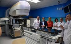 Carlos Haya comienza la instalación de uno de los aceleradores donados por Amancio Ortega