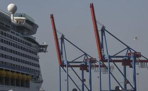 El Puerto de Málaga se prepara para recibir tres nuevas grúas de grandes dimensiones