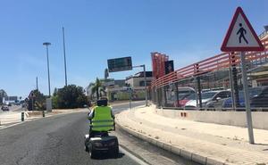 Investigan imágenes de un vehículo para discapacitados que circula por carretera en Málaga