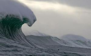 23,8 metros: la ola más grande jamás captada